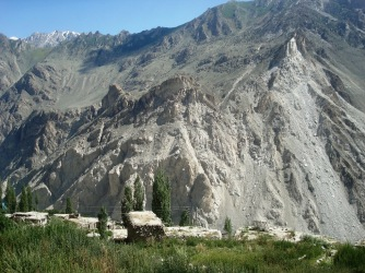 A view of the vulnerable mountains above KKH in front of Attabad