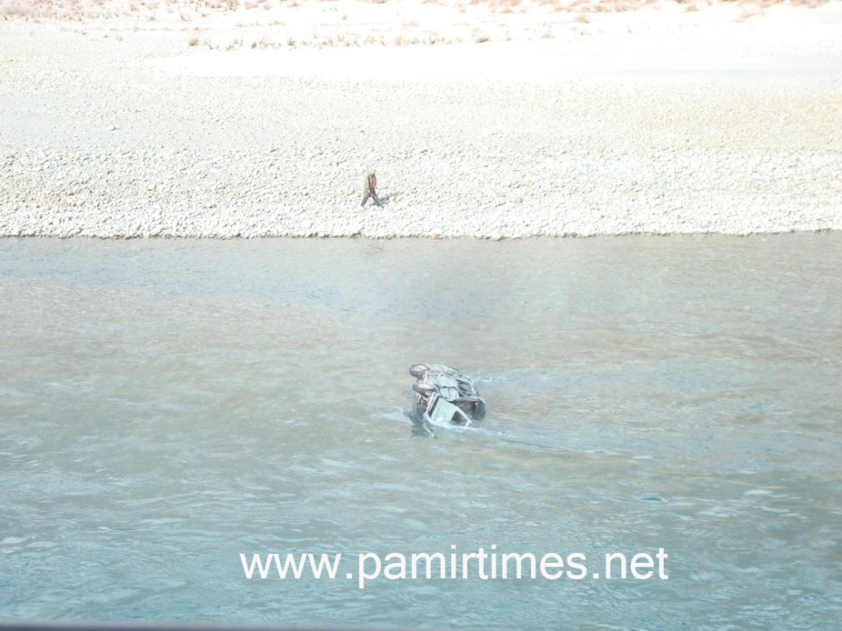 The vehicle can be seen in middle of the Shandur River